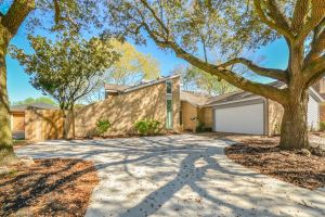 Stunning Remodeled Home on Cul-De-Sac Lot